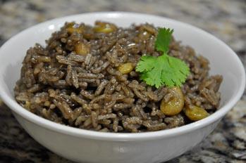 Diri djion djion (black mushroom rice)