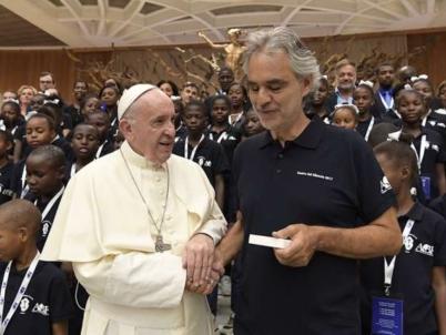 Haitian children, Andrea Bocelli sing for Pope Francis