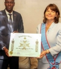 President Moïse honors and decorates the Ambassador of Canada