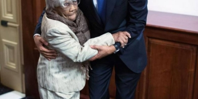Woman who earned praise from Obama after waiting in line for hours to vote dies at 106